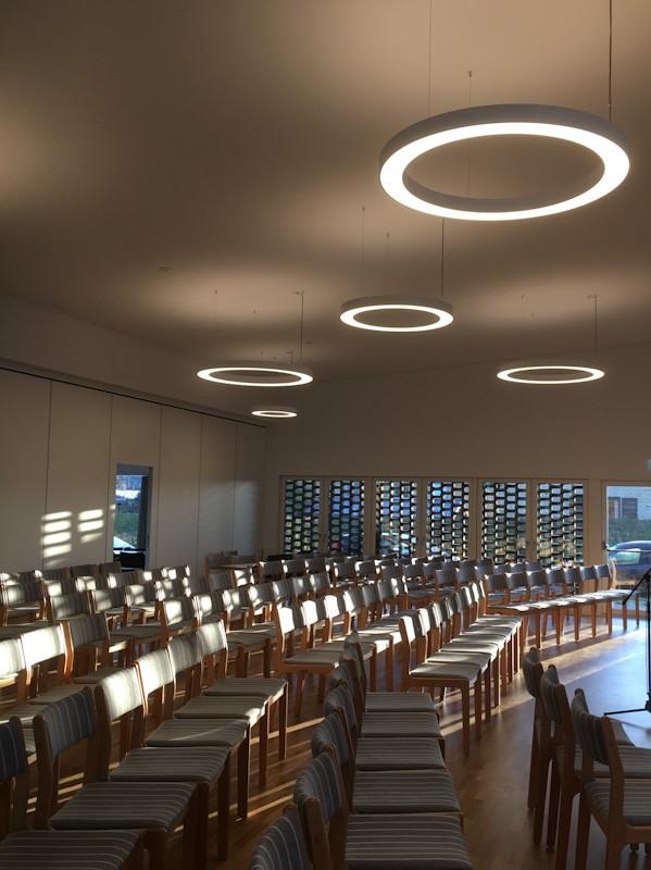 Korskirken Herlev . Kirke belysning. Lysdesign Mia Høyland-McMahon
