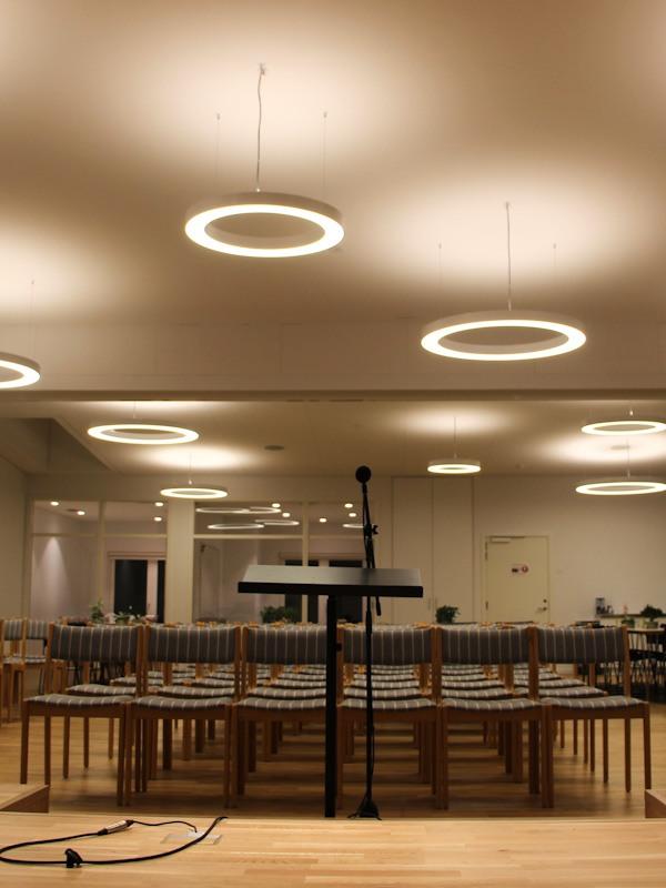 Korskirken Herlev Hovedgade. Kirke belysning II. Lysdesign Mia Høyland-McMahon